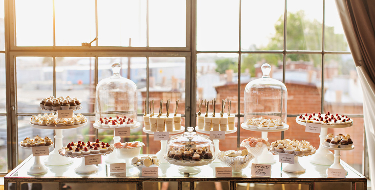 Wedding dessert tables » Layered